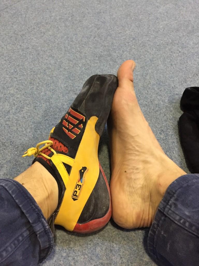 Boty mají být o kousek menší
